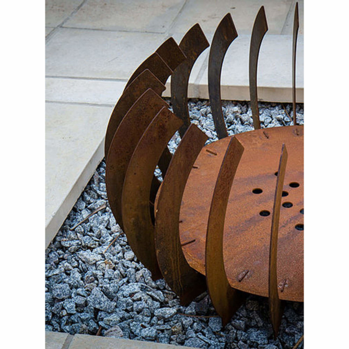 Braais-Freestanding-Fire-Blade-Curve-Corten-Steel