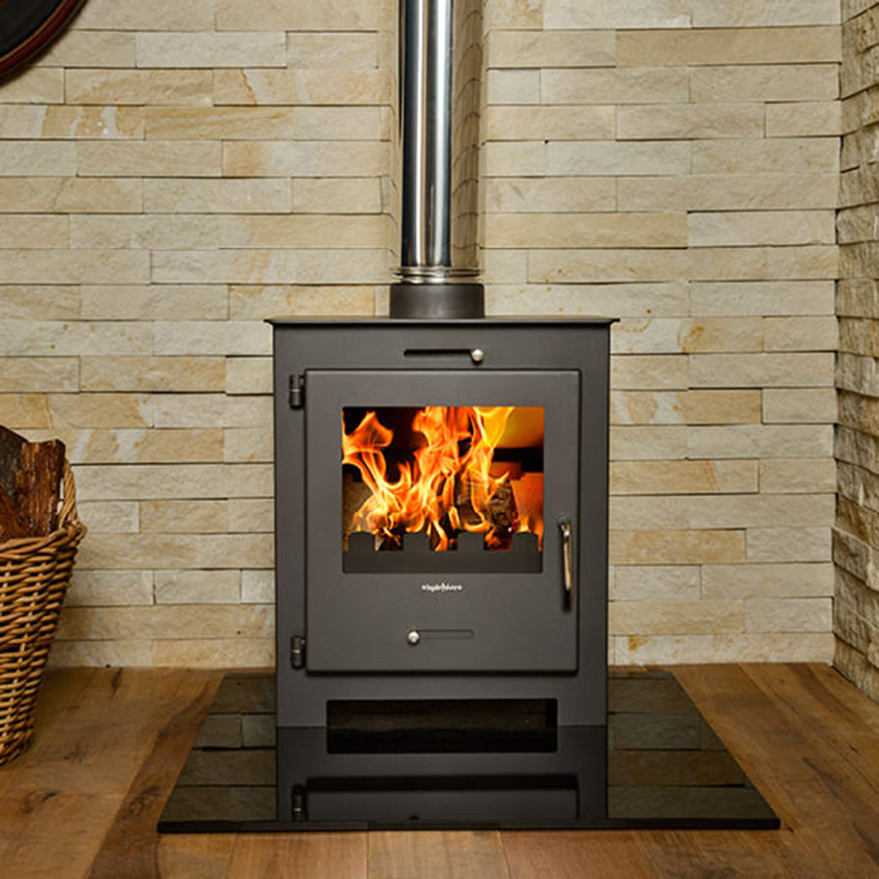 Combustion-Fireplaces-Freestanding-Bora-Lux2