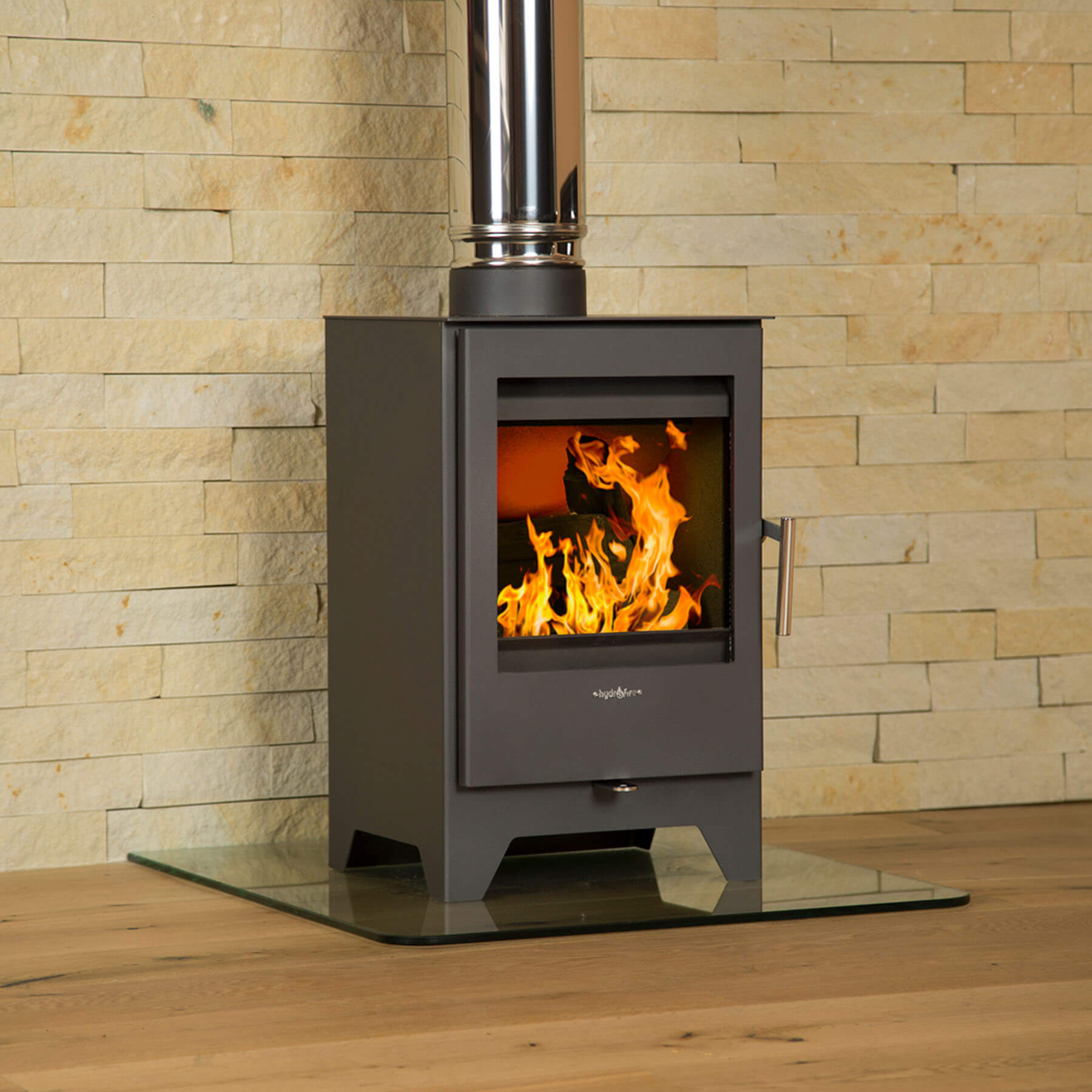 Combustion-Fireplaces-Freestanding-Parma-L