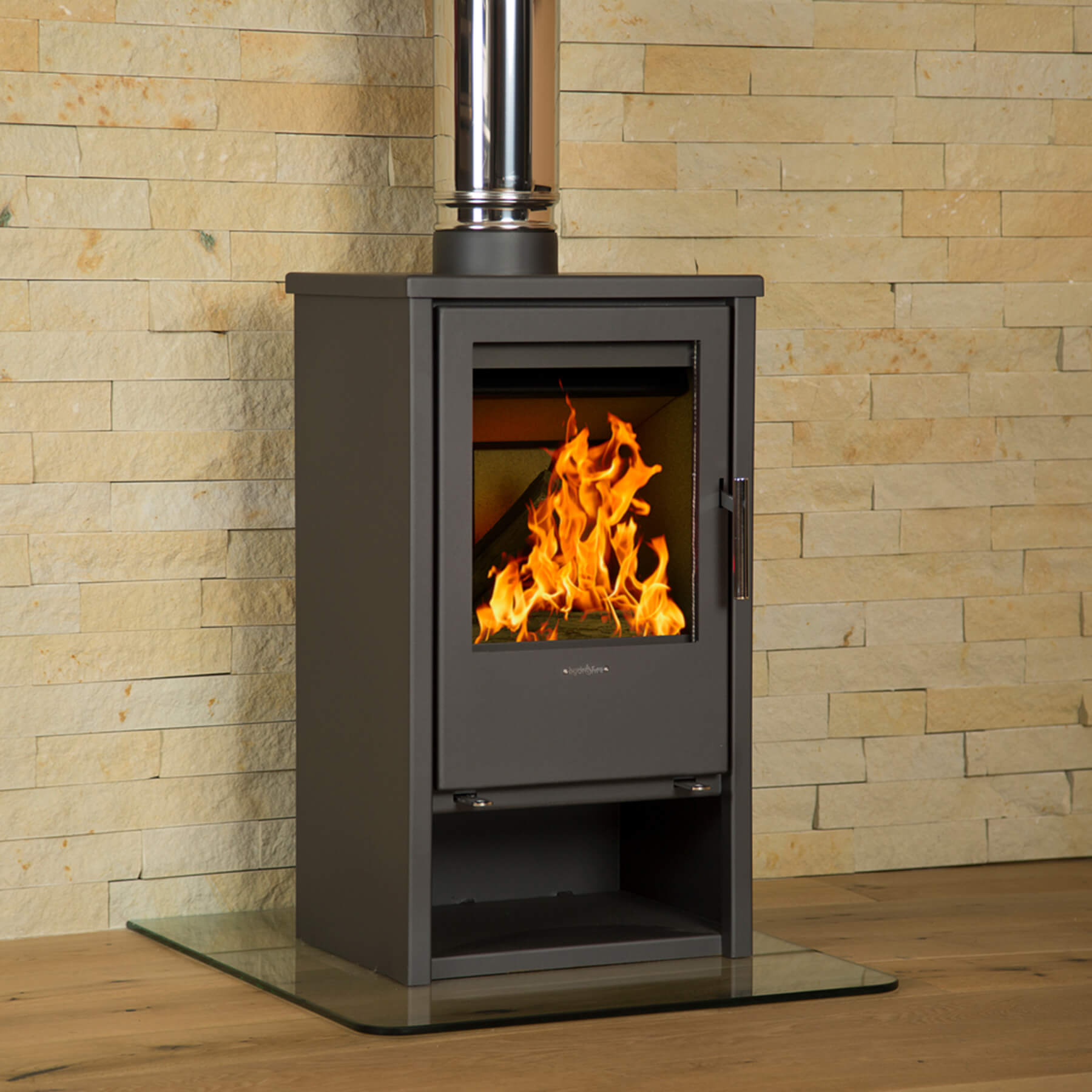 Combustion-Fireplaces-Freestanding-Regina