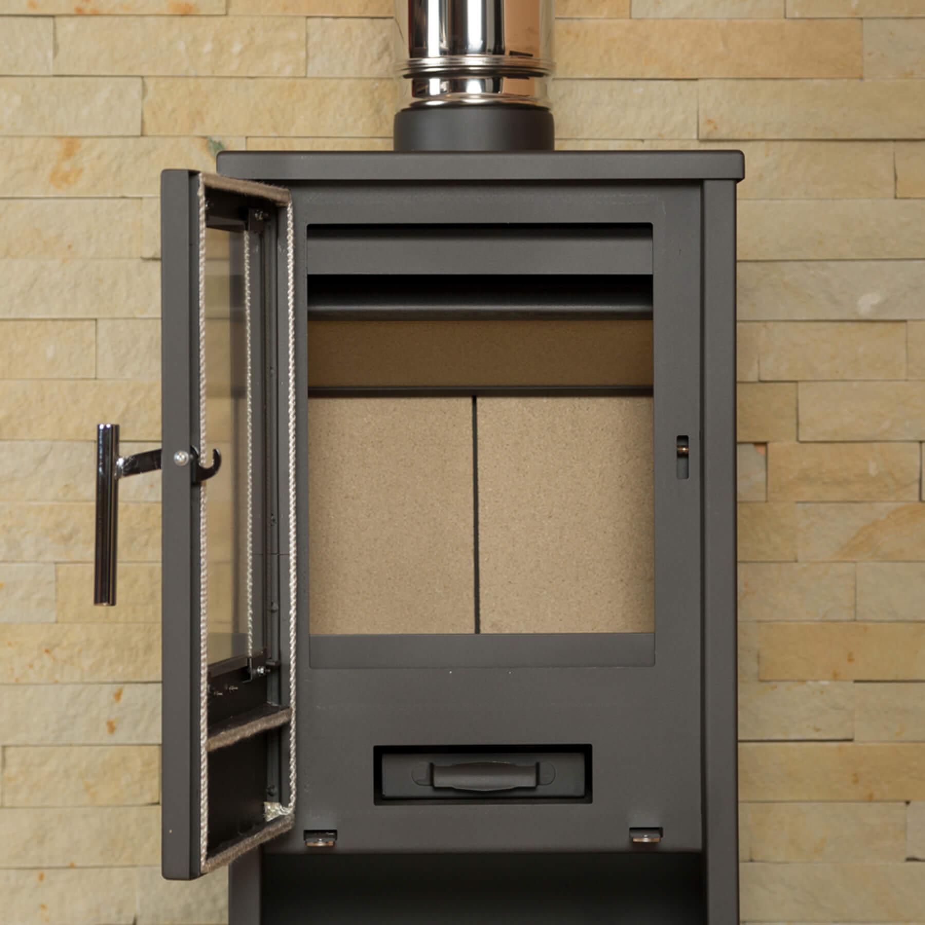 Combustion-Fireplaces-Freestanding-Regina3